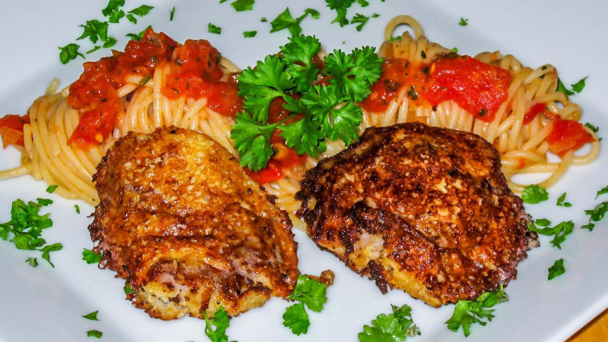 Piccata vom Schwein mit Tomatenspaghetti