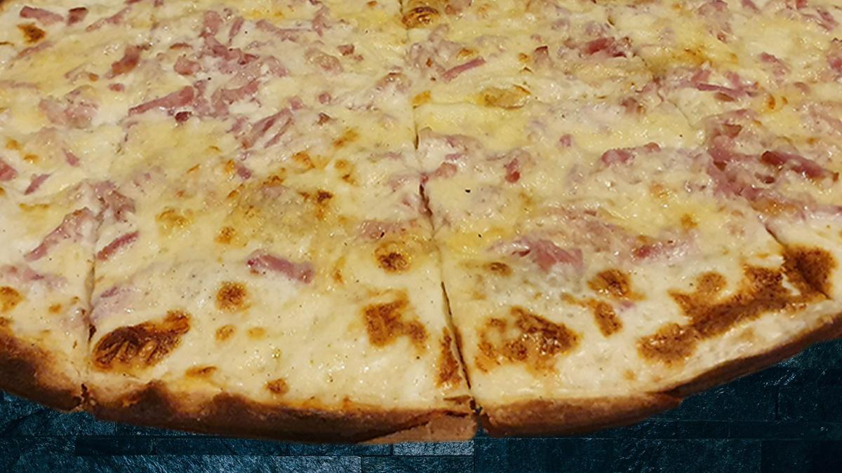 Rezept Flammkuchen mit Zwiebel-Speck-Käse