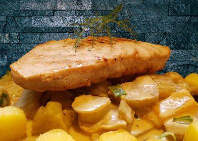 Thunfisch auf Rahmfenchel- Paprikagemüse mit Kartoffelwürfel
